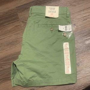 "Gap ""The Girlfriend"" 5inch shorts green"